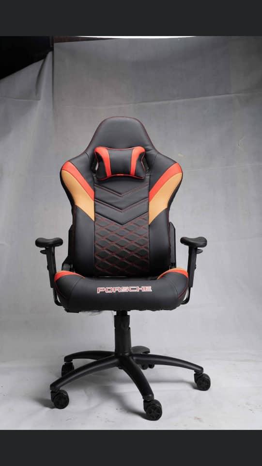 Bộ đôi ghế Porsche và bàn Fantasy cùng nhau tỏa sáng